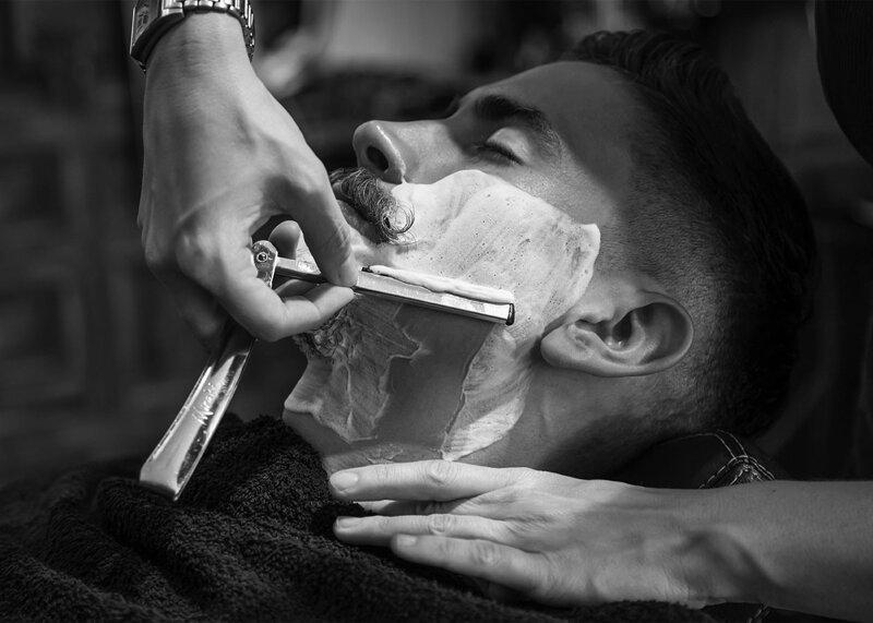 Королевское бритье в барбершопе BARRYMORE